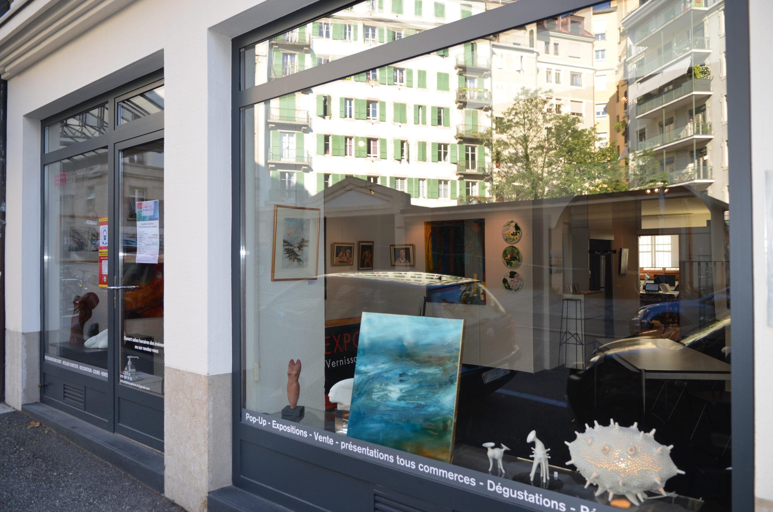 Vitrine d'espace d'exposition Blitz Artco. Genève
